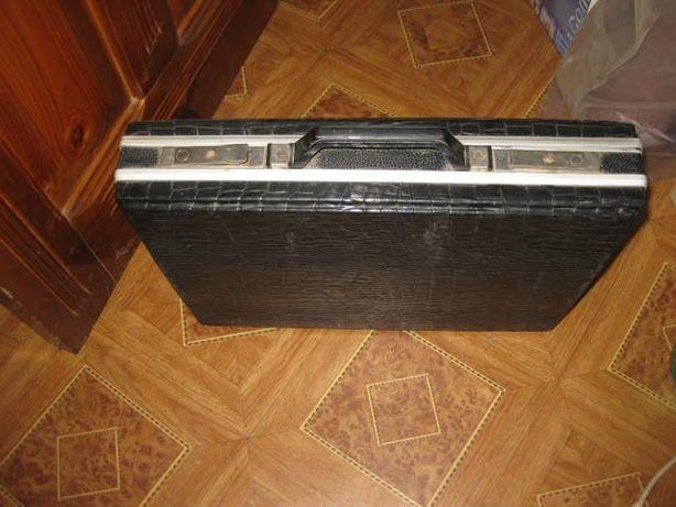 Продам дипломат(кейс, портфель)алюминиевый с черным