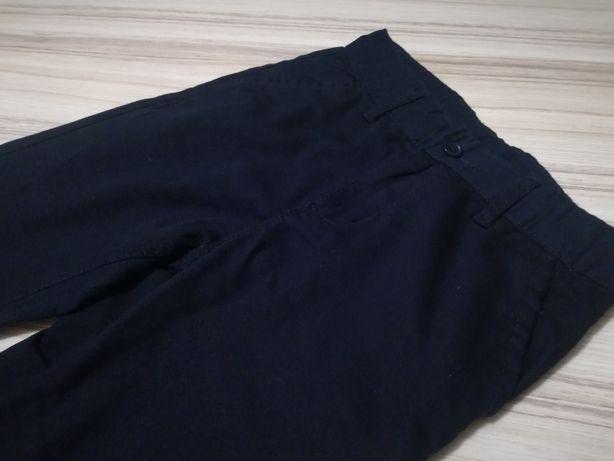 Spodnie garniturowe granatowe stan bdb roz 140