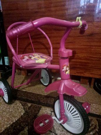 Трехколесный велосипед гномик