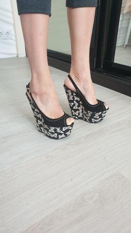 Брендовые Итальянские босоножки лакшери туфли Tucino натуральная кожа