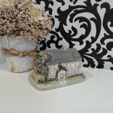 Статуэтка миниатюра дом домик керамический Англия