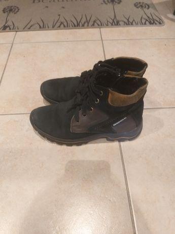 Ботинки утепленые