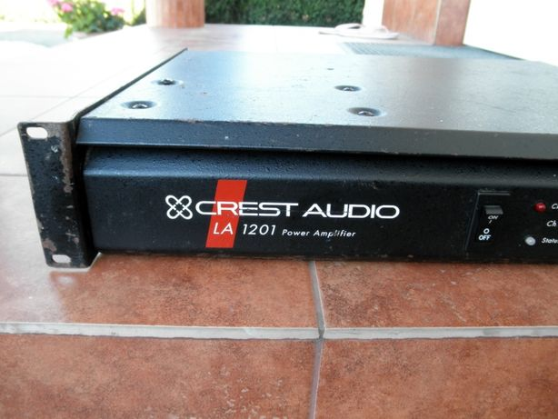Końcówka mocy CREST AUDIO LA 1201. USA. 1000W Bridged 8 Ohm