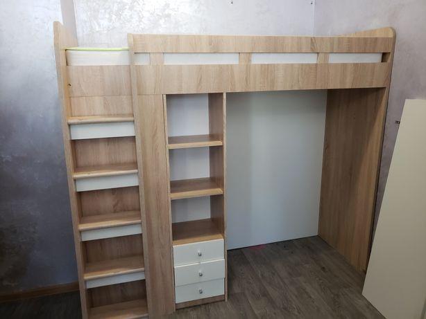 Кровать двохярусная со встроенным шкафом