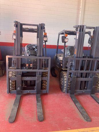 Apilador Novo 3000 kg