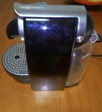 Maquina de Café Nespresso Krups Essenza