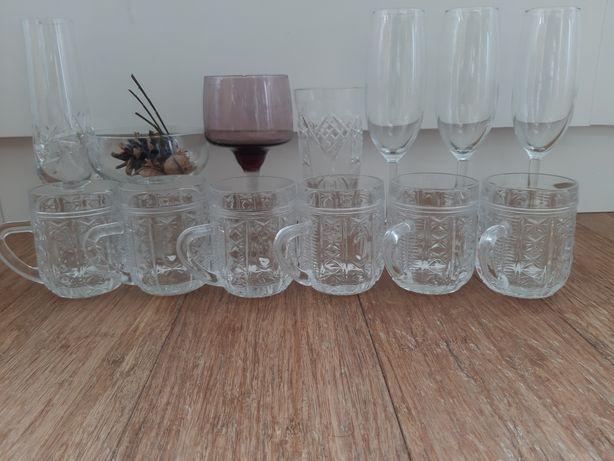 kryształy szkła bokaly kieliszki szklanki z uchem