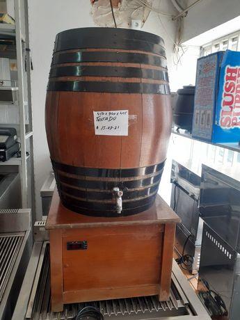 Pipas de vinho  refrigeradas