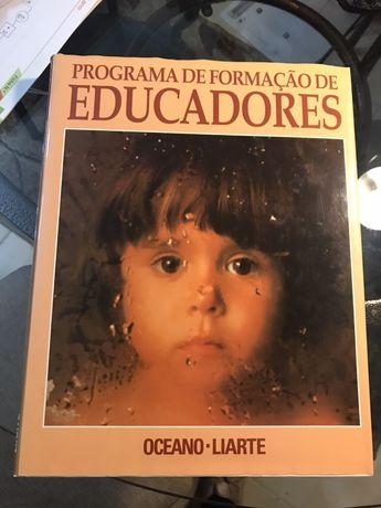 """Coleção """"Programa de Formação de Educadores"""""""