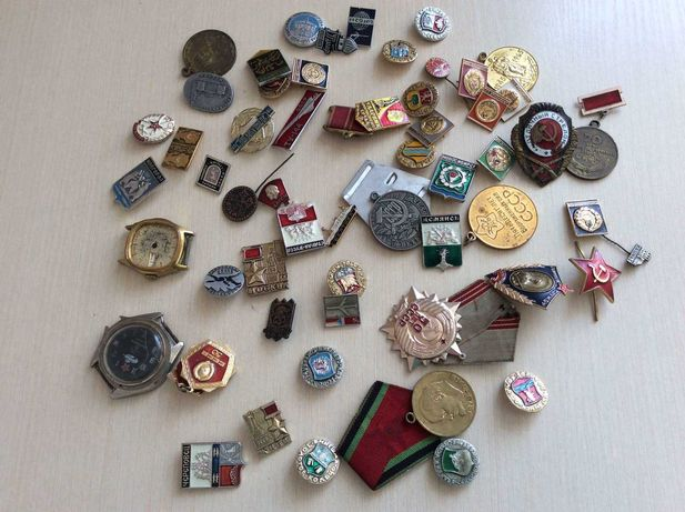 Часы командирские, часы ракета, медали и значки