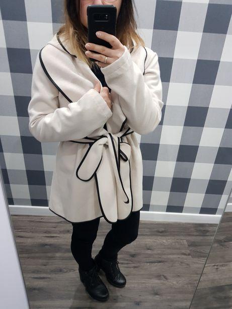 Płaszcz płaszczyk płaszcz m 38 s kurtka jesiennyponczo rozkloszowany