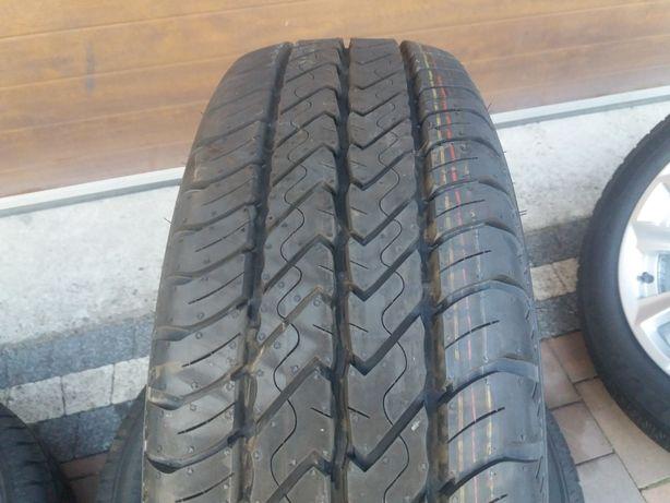 Nowe opony Dunlop Econo Drive 215.60.17 C  109/107 T