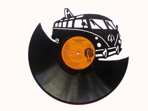 Silhueta decorativa Pão de forma feita de um disco de vinil LP