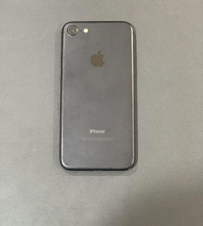 iPhone 7(32gb) praticamente novo sem marcas de uso.