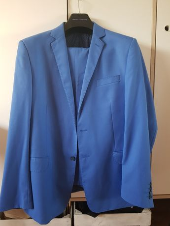 Niebieski garnitur pako lorente xl 190cm