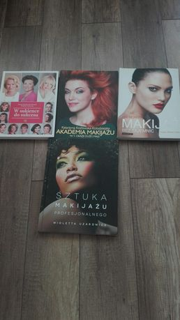 Makijaż Rea Morris, Uzarowicz książki