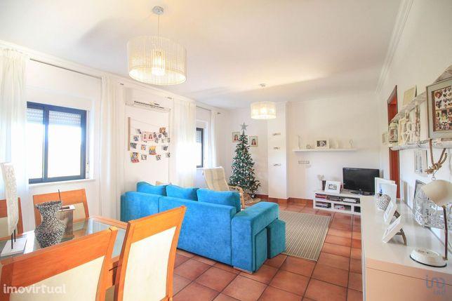 Apartamento - 90 m² - T3