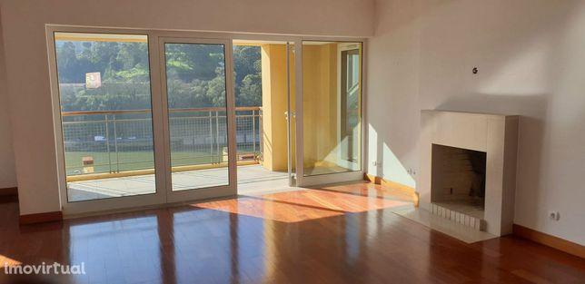 Apartamento T3 de Luxo - Vistas Rio Douro - Lordelo