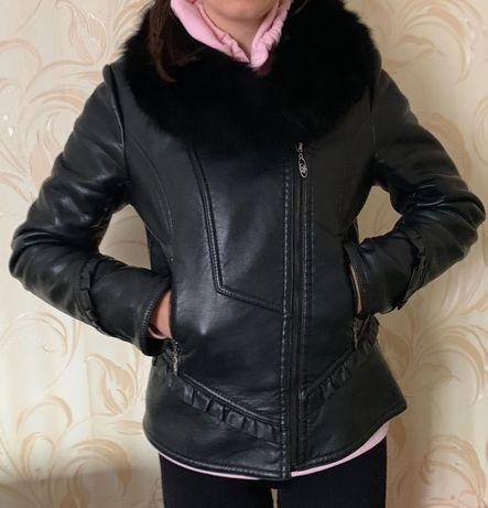 Куртка жіноча утеплена