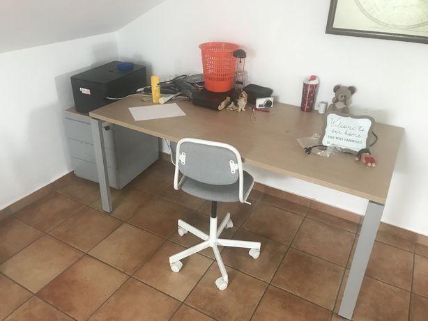 Mobilia de escritório