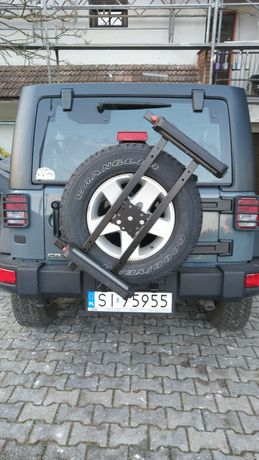 Narty Snowboard - bagażnik do Jeep