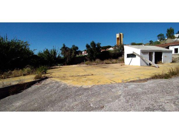Vende Terreno Urbano 2200m2 - Banática - Monte Caparica
