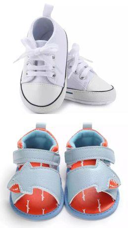 Детская обувь, две пары