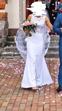 Suknia ślubna w typie rybki 36