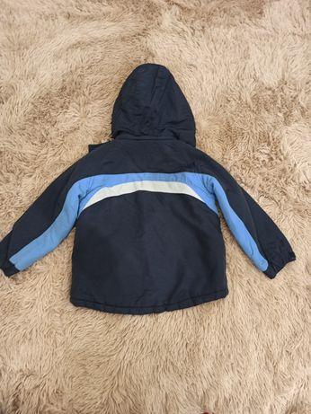 Демисезонная куртка на 3-4 года