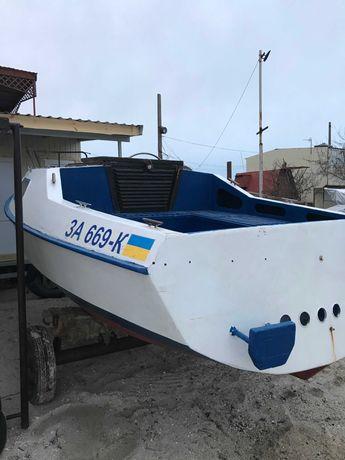 Швертбот яхта ЛЕО в хорошем состоянии