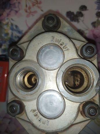 Гидравлический насос Hanomag Perfect 401 Bosch HY / ZE 16 CR 13