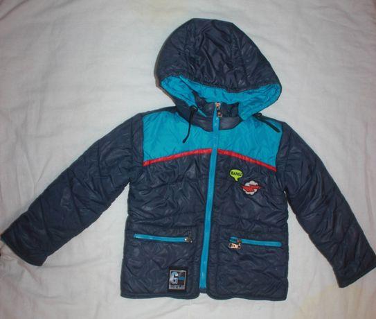 Продам осеннюю куртку на мальчика