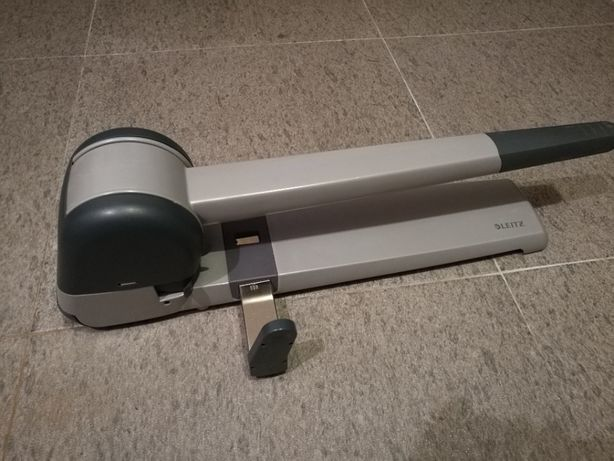Leitz Furador de papel Industrial 250 Fls 5182