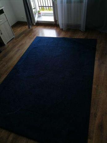 Używany dywan, w świetnym stanie