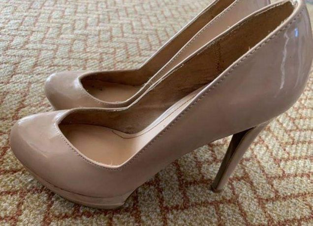 Sapatos de verniz Stradivarius