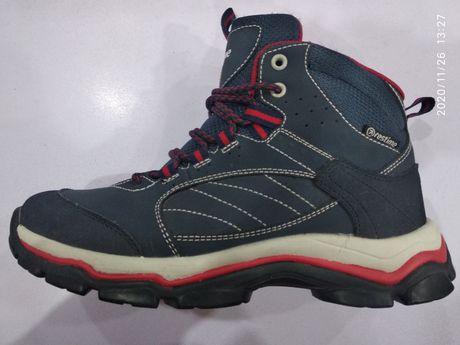 Новые зимние ботинки 37размер
