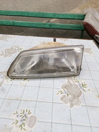 Lampa przód lewa peugeot 106
