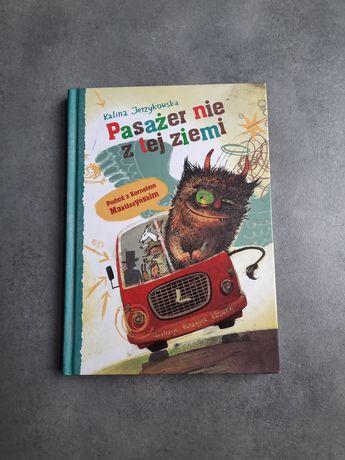 """Książka ,,Pasażer nie z tej ziemi """""""