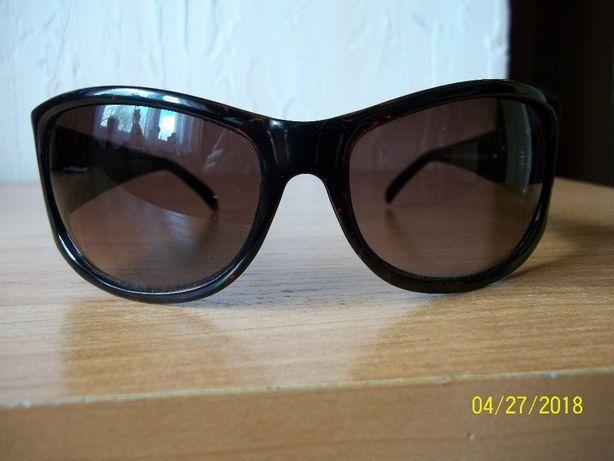Okulary przeciwsłoneczne Bruce Oldfield