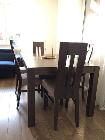 Dębowy stół z sześcioma krzesłami