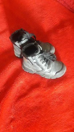 Демисезонные ботинки в хорошем состоянии 15 см. по стельки