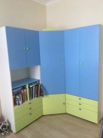Шкаф угловой в детскую фирмы «Малеча»