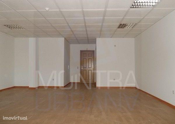 ESCRITÓRIO (55 m2) - 2º Andar, Sala 206 - TORRE BRASIL - JUNTO ao PARQ