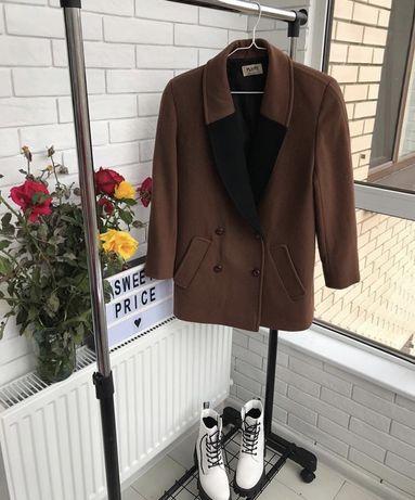 Теплое шерстяное пальто ,замшевая курточка пиджак жакет новая