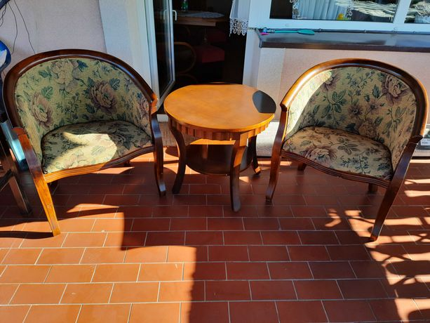 Stoliczek kawowy + 2 fotele