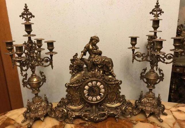 Красивые Антикварные часы!!! Женщина