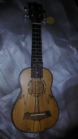 Ukulele soprano madeira