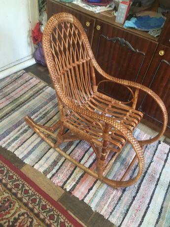 Кресло качалка (детское) в шикарном состоянии