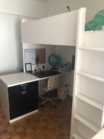 Cama alta IKEA branco e preto
