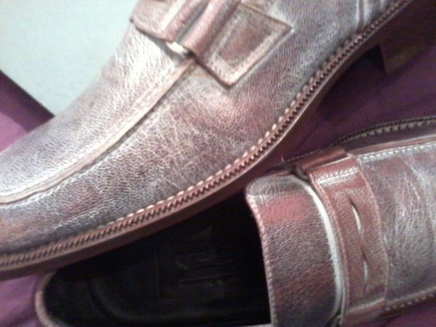 Sapatos Novos Castanhos - Designer Maurício Guimarães